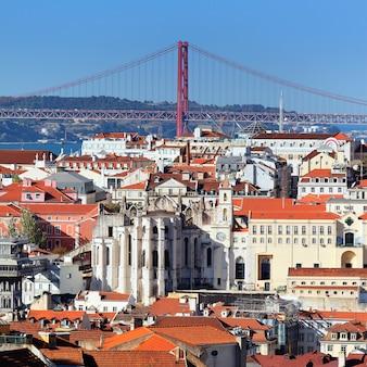 Uitzicht op lissabon en de rivier de taag, portugal