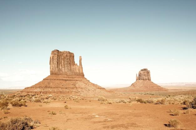 Uitzicht op monument valley met speciale fotografische bewerking