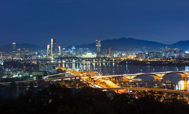 Uitzicht op seoul zuid-korea 's nachts
