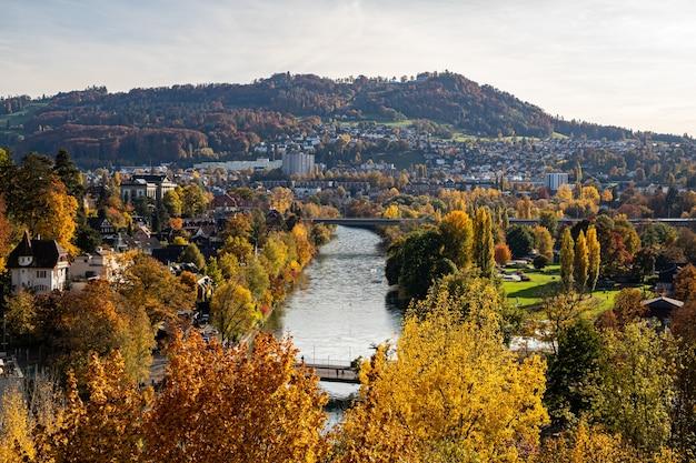 Uitzicht over bern in de herfst
