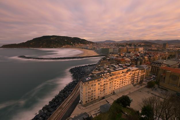 Uitzicht vanaf donostia-san sebastian, baskenland.
