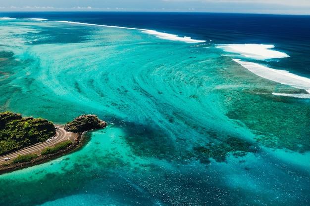 Uitzichtpunt maconde. monument voor kapitein matthew flinders in mauritius.