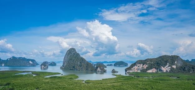 Uitzichtpunt samed nang chee in phang nga thailand Premium Foto