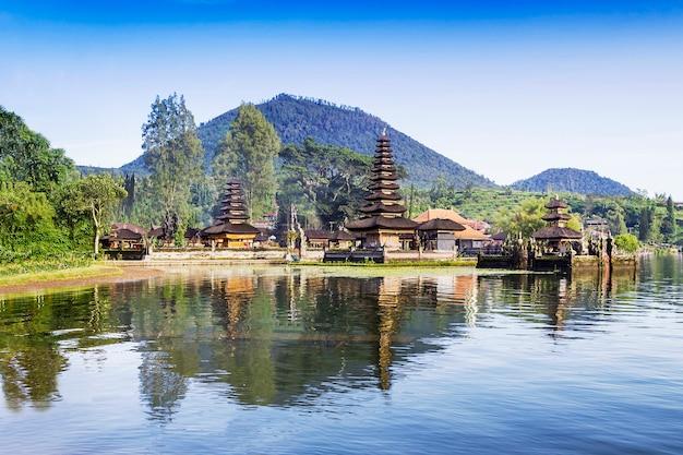 Ulun danu-tempel