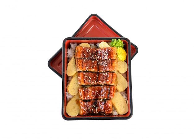 Unagi don of japanse el gegrild met kabayakisaus en tamago in bento