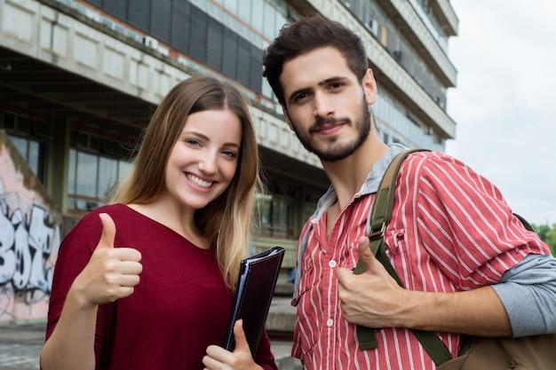 dating website voor universiteitsstudenten gratis online Christelijke dating sites Canada