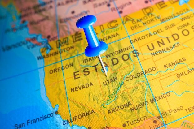 Usa vastgemaakt op een kaart van amerika