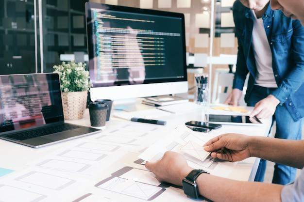 Ux ui en programmeertechnologie voor ontwikkeling.