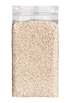 Vacuümverpakt plastic pak langkorrelige rijst vooraanzicht