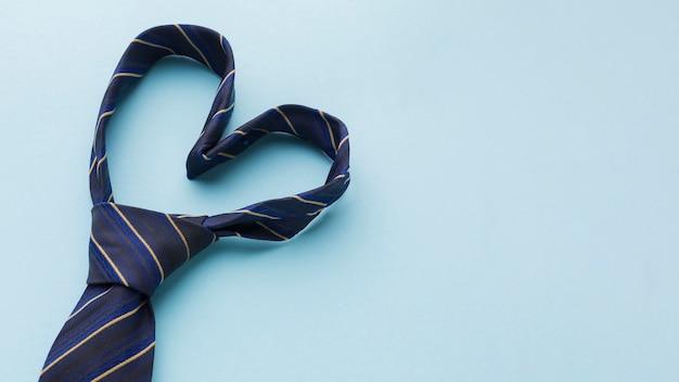Vaderdagarrangement met stropdas