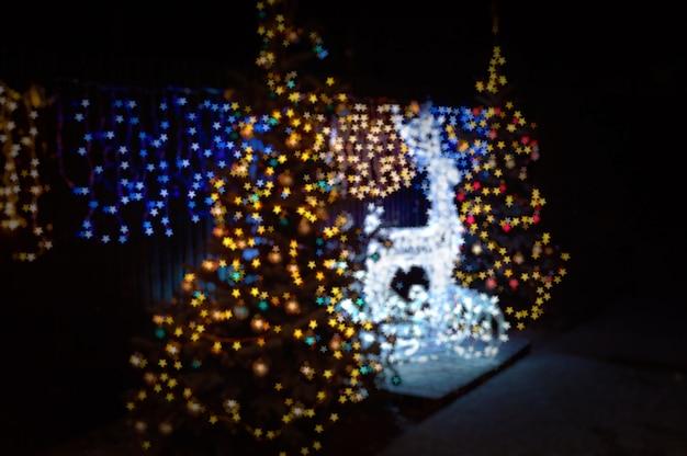 Vage bokeh kerstmisherten en kerstbomen