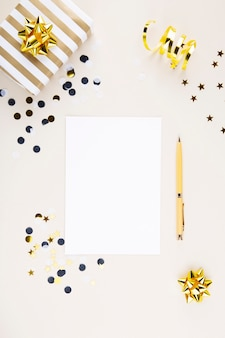 Vakantie attributen. plannen opstellen voor het nieuwe jaar. bovenaanzicht. kopieer ruimte