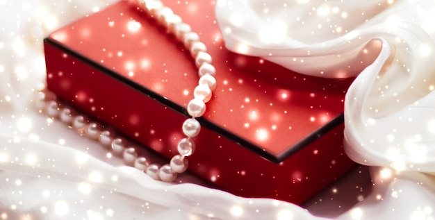 Vakantie branding glamour en decoratie concept kerst magische vakantie achtergrond feestelijke kerstballen...