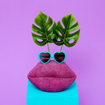 Vakantie samenstelling. grappige lippen strandliefhebber. minimale kunst