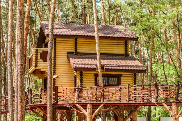 Vakantiehuis boslodge plattelandshuisje aan het meer voor een vakantie in de wildernis