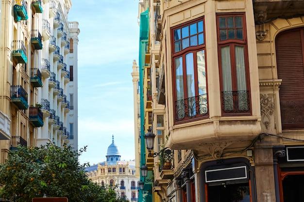 Valencia downtown in de buurt van ayuntamiento-plein
