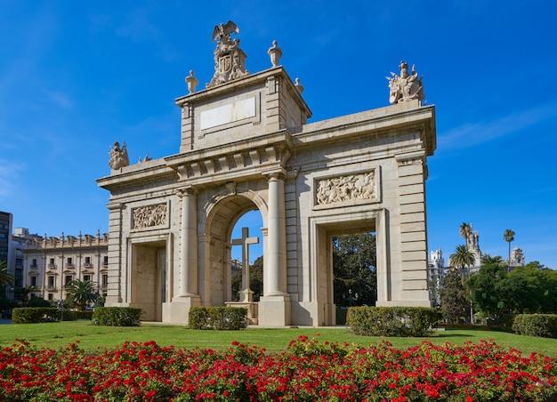 Valencia puerta porta de la mar deur plein