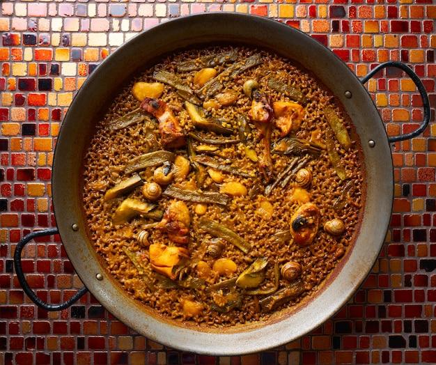 Valenciaanse paella met kip en konijn