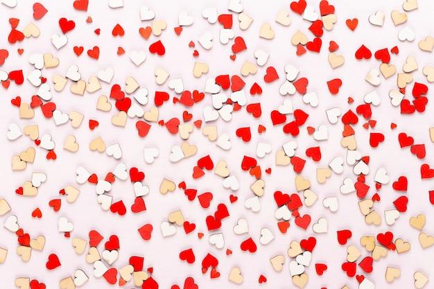 Valentijnsdag achtergrond pastel hartjes op de grijze achtergrond. wenskaart.