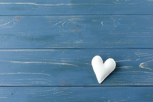 Valentijnsdag concept met rode harten.