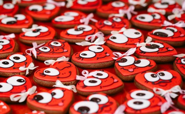 Valentijnsdag koekjes. hartvormige koekjes voor valentijnsdag.