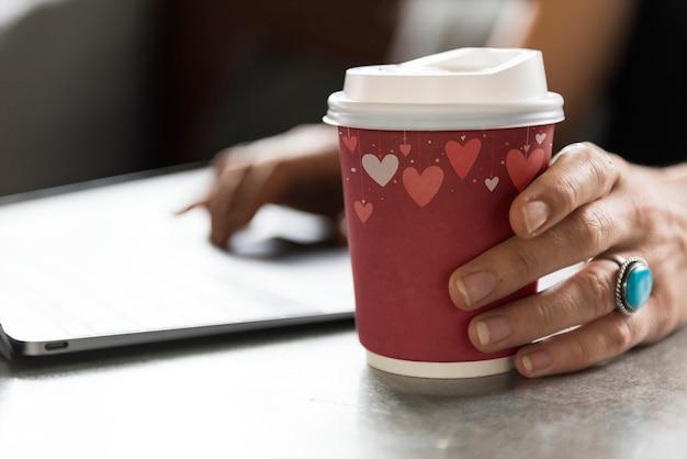 Valentijnsdag koffiekopje ontwerp