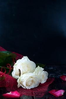 Valentijnsdag rozen en champagne
