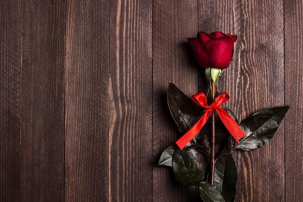 Valentijnsdag womens moederdag rode roos geschenk verrassing