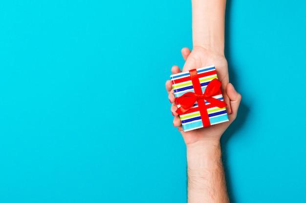Valentine-gift geeft in vakantiedecoratie met exemplaarruimte