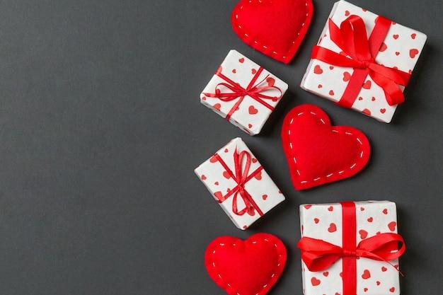 Valentine vrolijk in vakantiedecoratie, kopieer ruimte voor ontwerp.