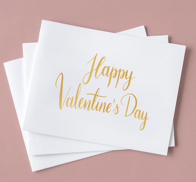 Valentines kaarten in een stapel
