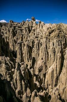 Valle de la luna in la paz cordillera real andes, bolivia