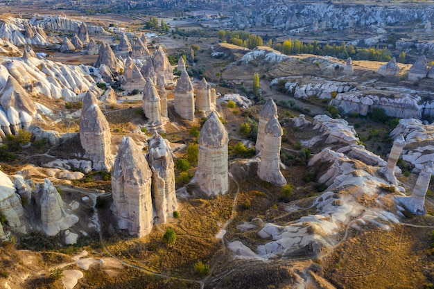 Valley of love in goreme in cappadocië, turkije.