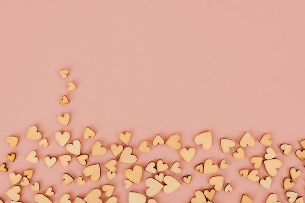 Van achtergrond heilige valentine hartbodem. kleur beige.