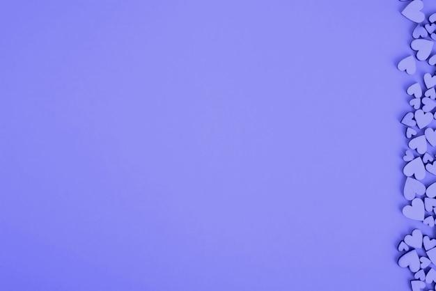 Van achtergrond heilige valentine hartrecht. kleur paars, lila.