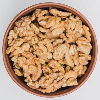 Van boven kom met walnoten