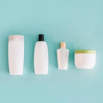 Van bovenaf containers met cosmetica