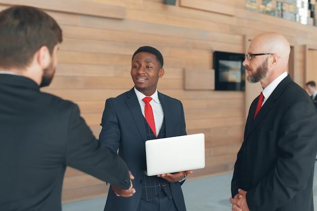 Van de bedrijfs besprekingsvergadering de strategie het werk concept