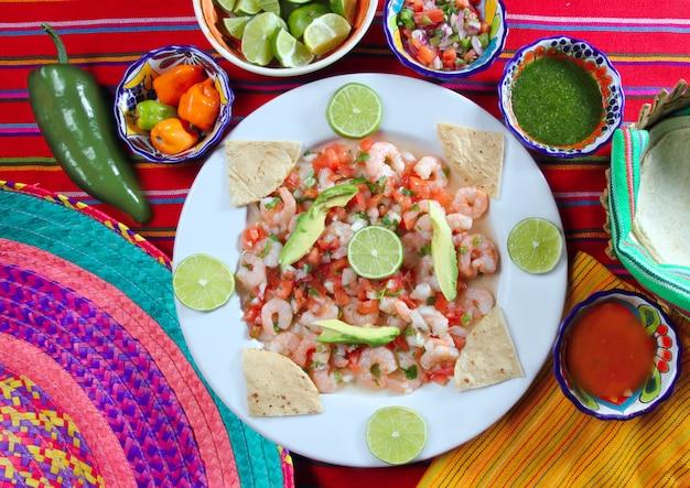 Van de garnalen ceviche ruwe zeevruchten van camaron de salade mexico