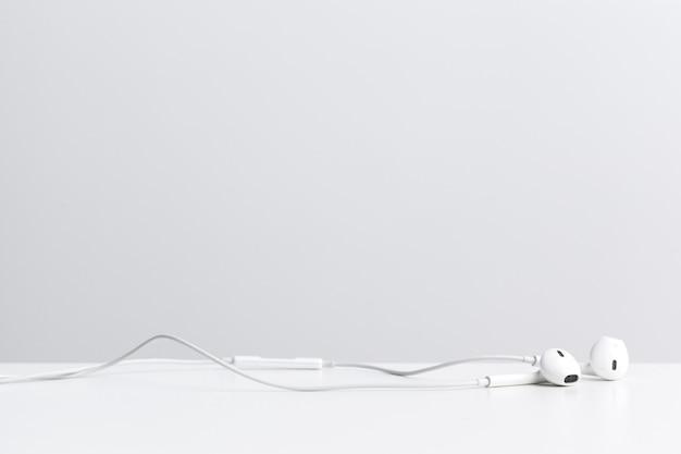 Van digitale muziek koptelefoon geïsoleerd