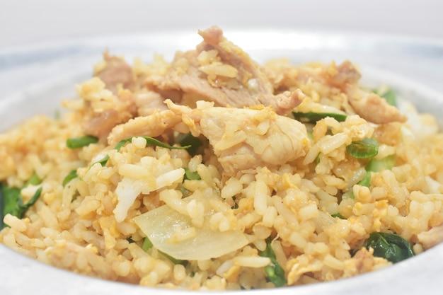 Varkensvlees gebraden rijst thais voedselstraat