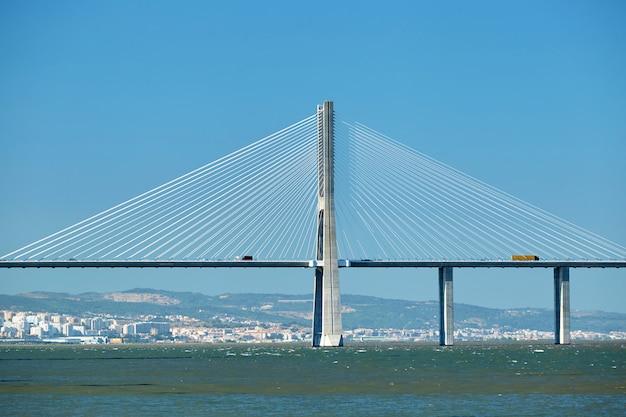 Vasco da gama-brug in portugal