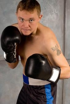 Vastberaden professionele bokser in opleiding