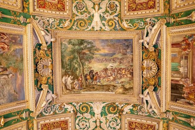 Vaticaanstad, vaticaan - 22 juni, 2018: kunst fresco in vaticaanmuseum