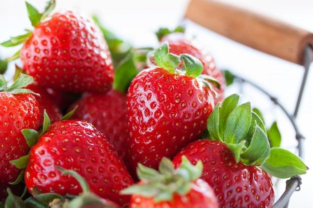 Veel aardbeien samen