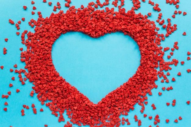 Veel kleine harten in een hartvorm
