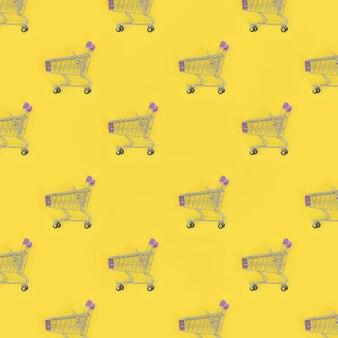 Veel kleine lege winkelwagentjes