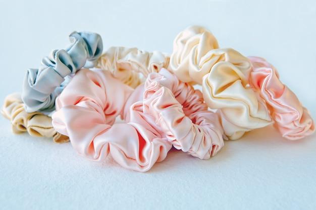 Veel kleurrijke zijden scrunchies haar scrunchies elastische haarbanden bobble sports
