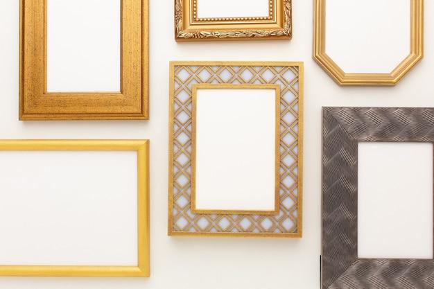 Veel mooie frames op een witte achtergrond met een plek voor uw tekst. hoge kwaliteit foto