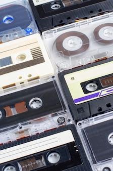 Veel oude audiocassettes